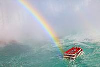 虹とホーンブロワー・ナイアガラ・クルーズ
