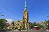 教会と路面電車 25801014645  写真素材・ストックフォト・画像・イラスト素材 アマナイメージズ