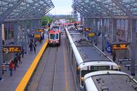 カルガリーの路面電車 25801014699  写真素材・ストックフォト・画像・イラスト素材 アマナイメージズ