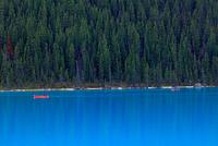 レイクルイーズのボート遊び 25801014876  写真素材・ストックフォト・画像・イラスト素材 アマナイメージズ