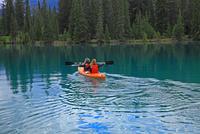 ボートを漕ぐ人 25801014919  写真素材・ストックフォト・画像・イラスト素材 アマナイメージズ