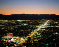 ラスベガスの街並み 夜景 25826002285| 写真素材・ストックフォト・画像・イラスト素材|アマナイメージズ