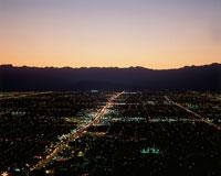 街並の夜景 25826002586| 写真素材・ストックフォト・画像・イラスト素材|アマナイメージズ
