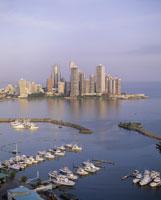 パナマ湾とパナマ市街 25826016317| 写真素材・ストックフォト・画像・イラスト素材|アマナイメージズ