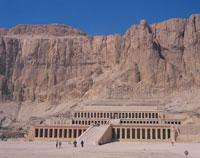 ハトシェプスト葬祭殿 3月 ルクソール エジプト 25826022353| 写真素材・ストックフォト・画像・イラスト素材|アマナイメージズ