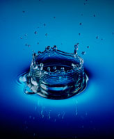 青い水のクラウン