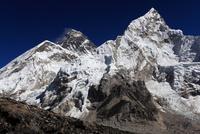 カラパタールよりエベレスト山群 25882005078| 写真素材・ストックフォト・画像・イラスト素材|アマナイメージズ