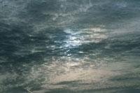 灰色の雲 25890001611  写真素材・ストックフォト・画像・イラスト素材 アマナイメージズ