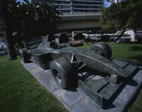 F-1の彫刻物