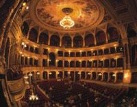 国立オペラ劇場 客席 25920002047| 写真素材・ストックフォト・画像・イラスト素材|アマナイメージズ