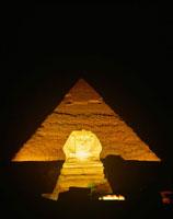 スフィンクスとピラミッド 25920004124| 写真素材・ストックフォト・画像・イラスト素材|アマナイメージズ