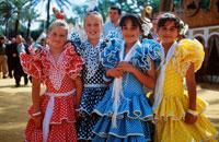 フラメンコ衣装の少女達