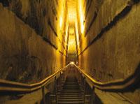クフ王ピラミッド内部 25947022037  写真素材・ストックフォト・画像・イラスト素材 アマナイメージズ