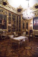 シェーンブルン宮殿内部の漆の間