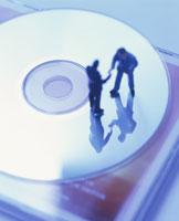CDとミニチュア人形