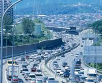 お盆渋滞 名神天王山トンネル付近