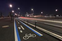豊洲の道路の夜景