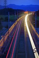 東北新幹線の光跡夜景
