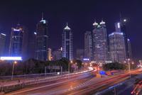 浦東の高層ビル群の夜景