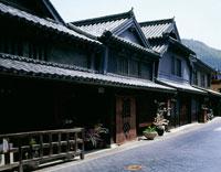 竹原の古い町並みと春景 25990010531| 写真素材・ストックフォト・画像・イラスト素材|アマナイメージズ