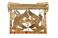 Pectoral avec les deesses Isis-Nekhbet et Nephtys-Ouadjet pr 26004020424| 写真素材・ストックフォト・画像・イラスト素材|アマナイメージズ