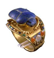 Bracelet au scarabee de Toutankhamon 26004020449| 写真素材・ストックフォト・画像・イラスト素材|アマナイメージズ