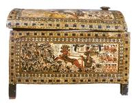 Grand coffret en bois stuque et peint de scenes militaires