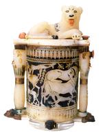 Boite circulaire a onguent surmontee d'un lion couche 26004020523| 写真素材・ストックフォト・画像・イラスト素材|アマナイメージズ