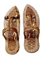 Paire de sandales a decor symbolique des ennemis de l'Egypte 26004020545| 写真素材・ストックフォト・画像・イラスト素材|アマナイメージズ
