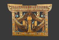 Pectoral avec Isis et Nephtys protegeant le pilier Djed osir