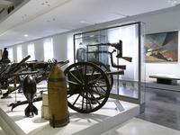 """Espaces 3e Republique du Musee de l'Armee, salle """"Les Poi"""