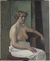 Femme assise a demi-nue