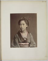 �hViews and costumes of Japan�h,Jeune femme en buste