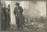 Maurice Denis (1870-1943) dans les ruines d'une eglise de l'Oise ou de l'Aisne