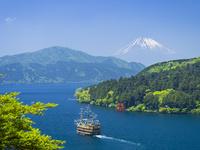 春の芦ノ湖と富士山 26033004705  写真素材・ストックフォト・画像・イラスト素材 アマナイメージズ