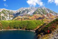 秋のミクリガ池と立山連峰