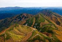 東大雪山紅葉 26058009801| 写真素材・ストックフォト・画像・イラスト素材|アマナイメージズ