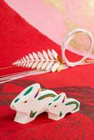 卯の郷土玩具 鳥取のえと 鳥取県 26060001593| 写真素材・ストックフォト・画像・イラスト素材|アマナイメージズ