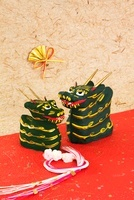 辰の郷土玩具 鎌倉張り子 26060001650| 写真素材・ストックフォト・画像・イラスト素材|アマナイメージズ
