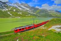 スイスアルプスと鉄道