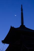 清水寺三重塔 26089005500| 写真素材・ストックフォト・画像・イラスト素材|アマナイメージズ