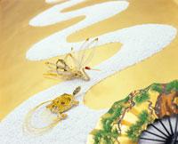 白砂の川と鶴亀 26092010587| 写真素材・ストックフォト・画像・イラスト素材|アマナイメージズ