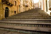 マジョルカ焼きタイルの階段