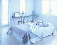 ベッドとドレッサー 26092012117  写真素材・ストックフォト・画像・イラスト素材 アマナイメージズ