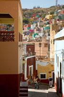 坂とグアナファトの町並み 26092012575| 写真素材・ストックフォト・画像・イラスト素材|アマナイメージズ