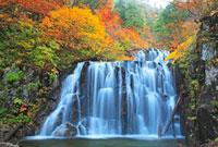 紅葉の立又渓谷の二ノ滝 森吉山