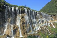 九寨溝の諾日朗瀑布