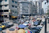 繁華街 マーティン通りの賑わい 26107000208| 写真素材・ストックフォト・画像・イラスト素材|アマナイメージズ