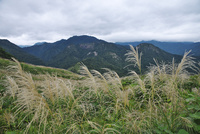 樽口峠より望む飯豊連峰の秋 26120041492| 写真素材・ストックフォト・画像・イラスト素材|アマナイメージズ
