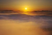 屈斜路湖の日の出と雲海